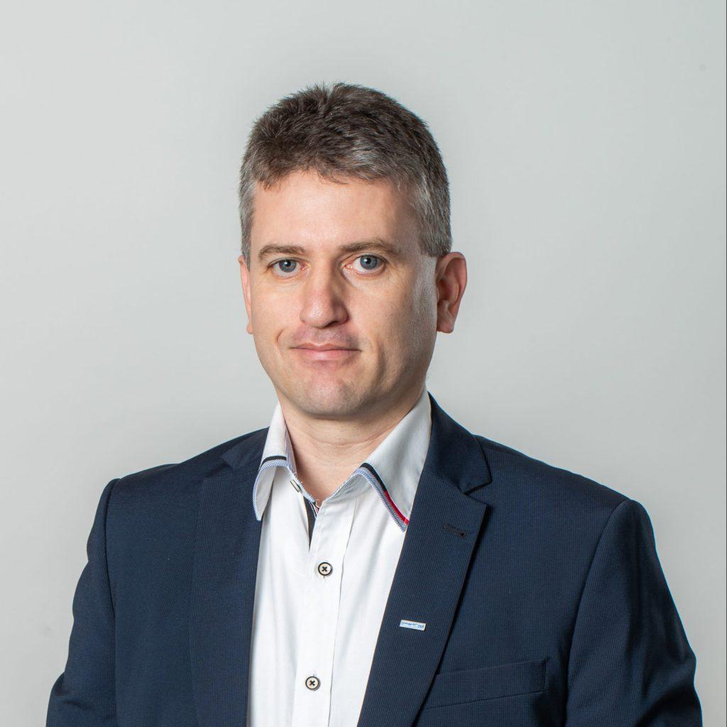 Szabó Attila Vevőszolgálati vezető